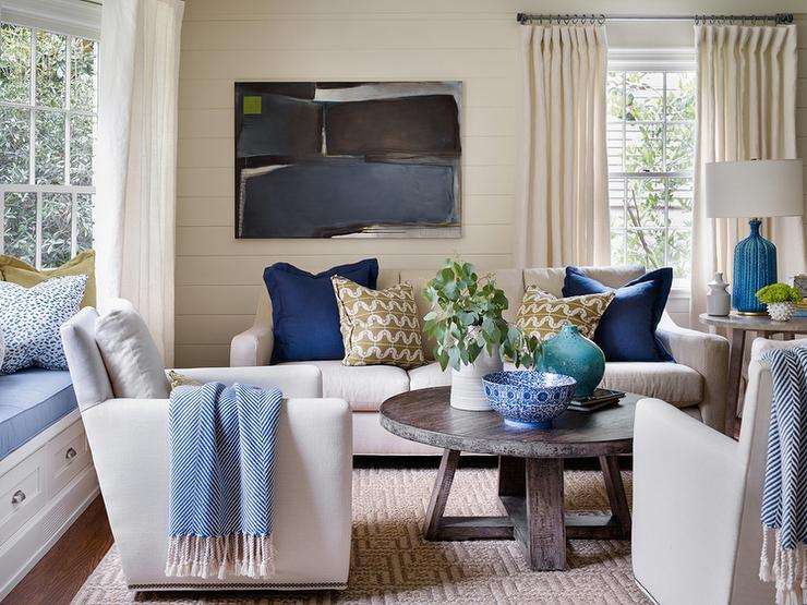 ivory-and-blue-living-room-bay-window-bench