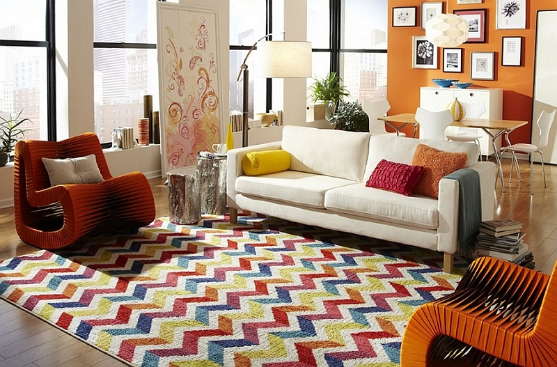 1.beautiful-chevron-living-room-ideas_colorful-chevron-pattern-shag-wool-rug_brown-unique-modern-chair_black-metal-chrome-arc-floor-lamp_white-fabric-arms-sofa