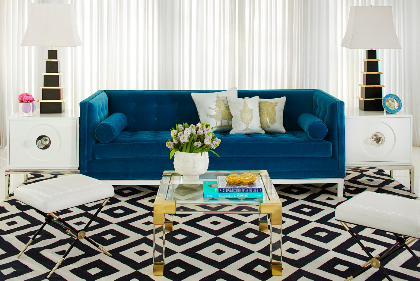 3.Venice-Peacock-Jonathan-Adler-sofa-for-hollywood-style-living-room